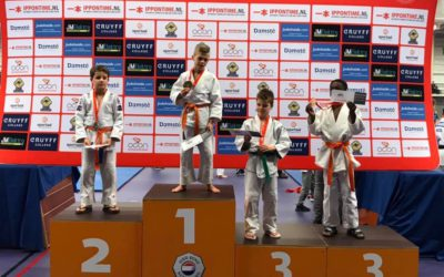 Judoka's Van Buel Sports sluiten jaar goed af in Enschede!