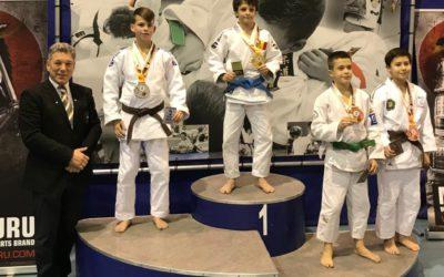 Judoka Jesse van Buel pakt zilver tijdens Dutch Open