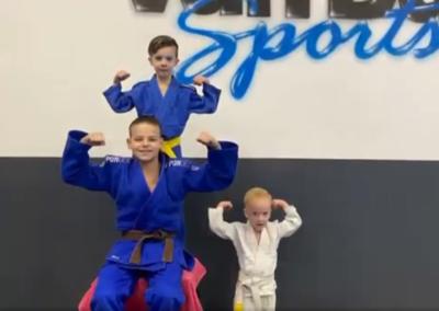 Judo –  Les 3  Vos kom uit je hol